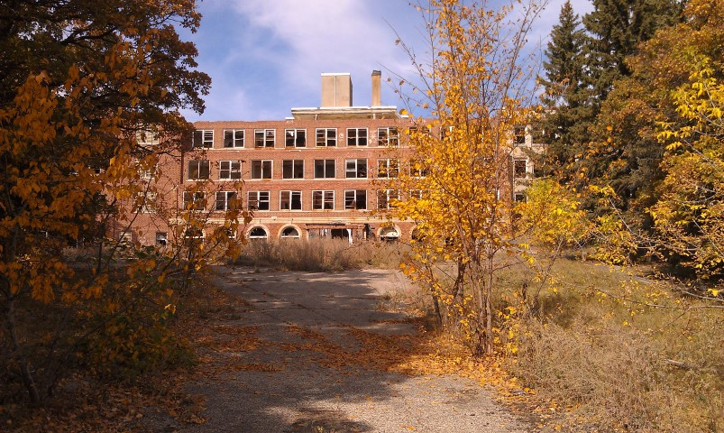 The San Haven TB Hospital was closed in 1987. It served as a tuberculosis sanitarium in the early and mid 1900's. In the 1970's it was converted into a state school for the mentally handicapped.