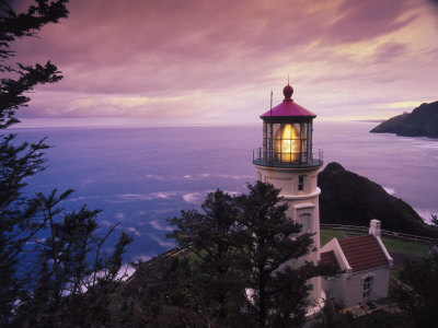 Heceta Head Light is a lighthouse located on the Oregon Coast 13 miles (21 km) north of Florence, Oregon and 13 miles (21 km) south of Yachats, Oregon, United States.
