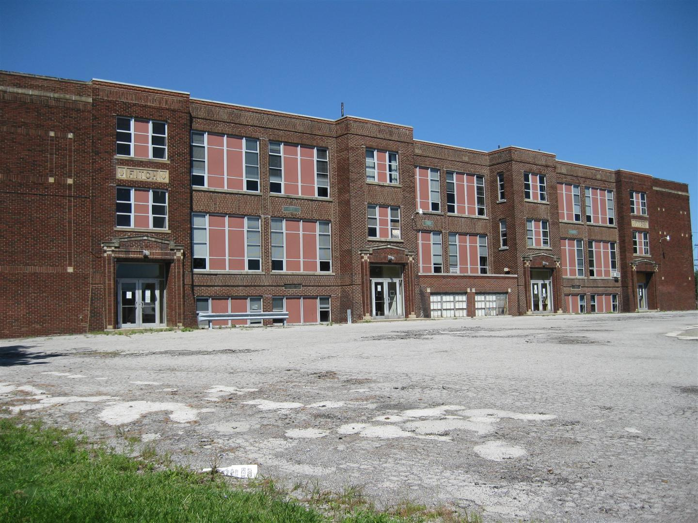 Originally name the Austintown Consolidated school, the Austintown Fitch High School became the Austintown Middle School until it was closed when the new middle school was built.  THIS BUILDING IS SCHEDULED FOR DEMOLITION.