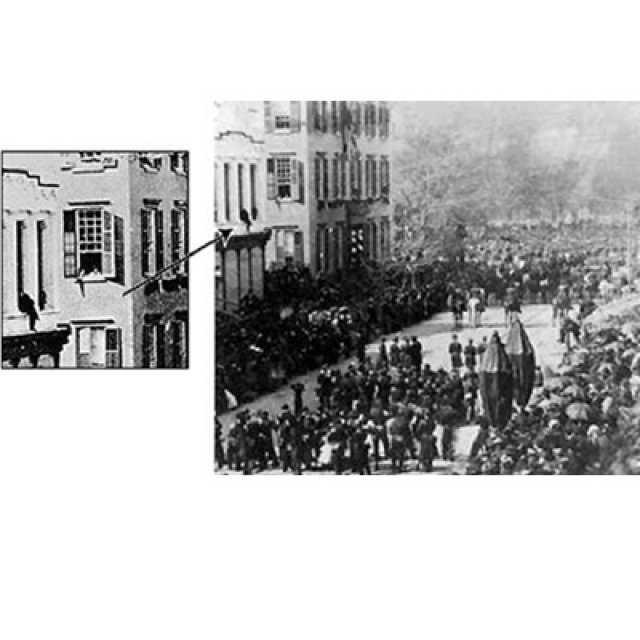 Photograph showing Abraham Lincoln's Casket and Teddy Roosevelt in the same picture.