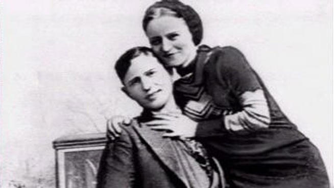 Do Bonnie and Clyde still hang around the location where they were killed.
