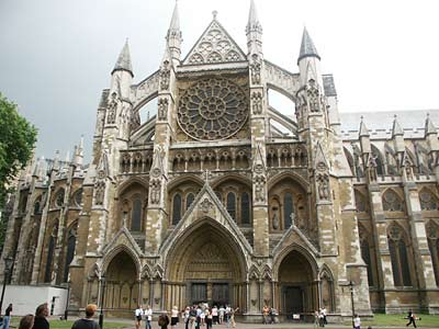 Westminster Abbey is Britain's most famous church and a venue for ghost hauntings as well.  The following is information about the paranormal activity which occurred at this landmark.